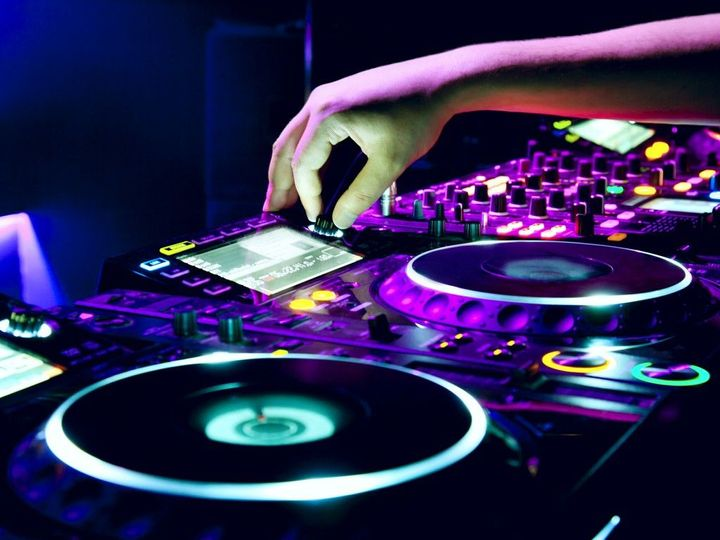 bed38275660e6f02 DJ Equipment for Beginners 1024x768