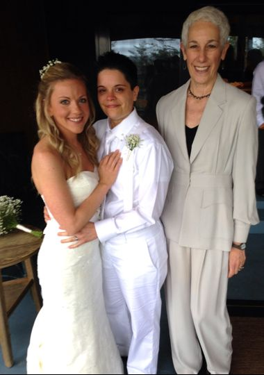 Group photo with the officiant
