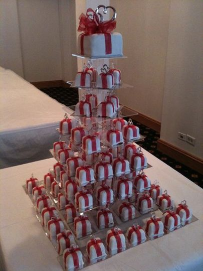 Mini Wedding Cakes, square
