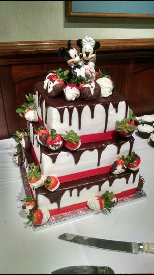 chocolate glaze strawberry wedding