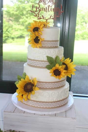 wedding cake sunflower burlap 51 142536 v1