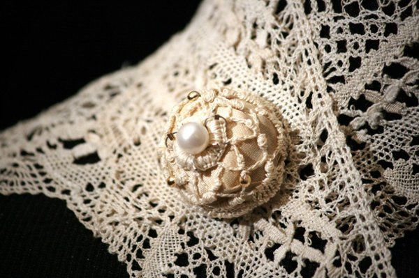 This elegant pin-less brooch, can double as a pendant and can be worn like jewels in the hair....