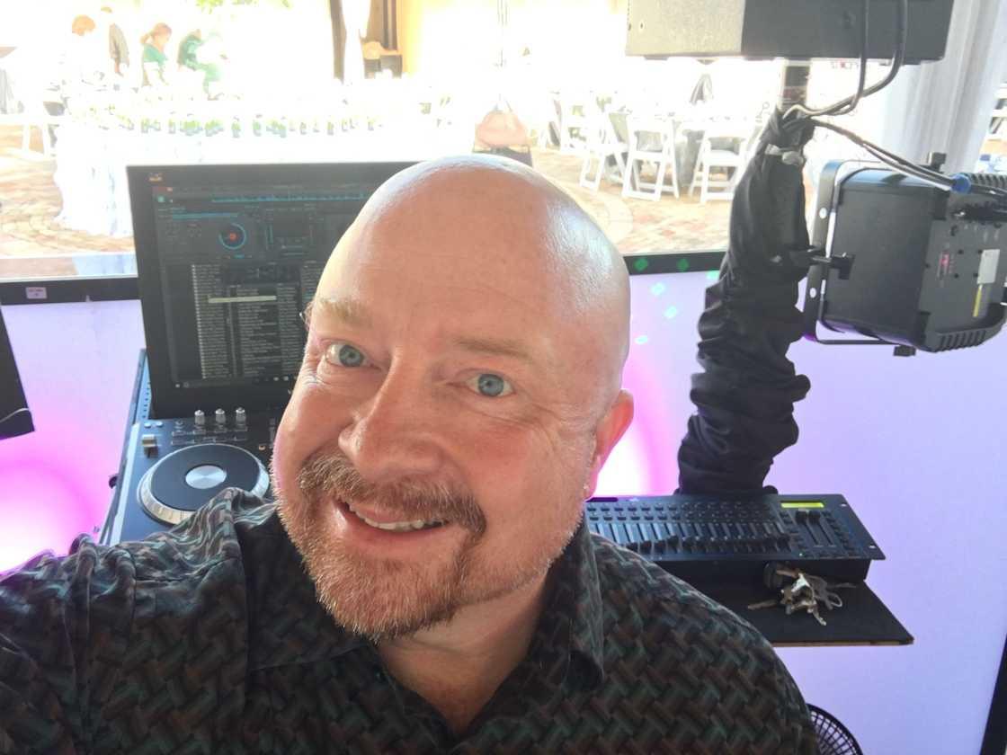 Bobby Russell's Sedona Sounds DJ