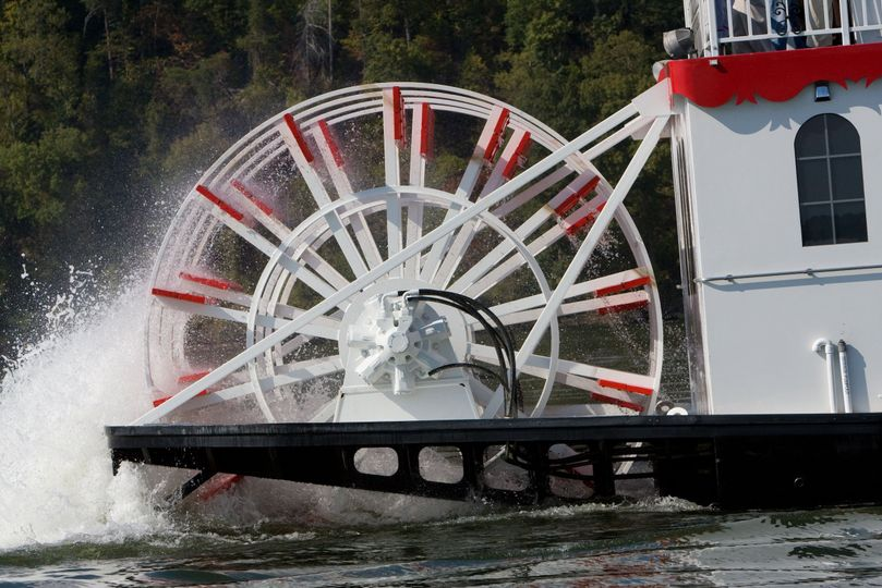 The authentic paddle wheel in motion