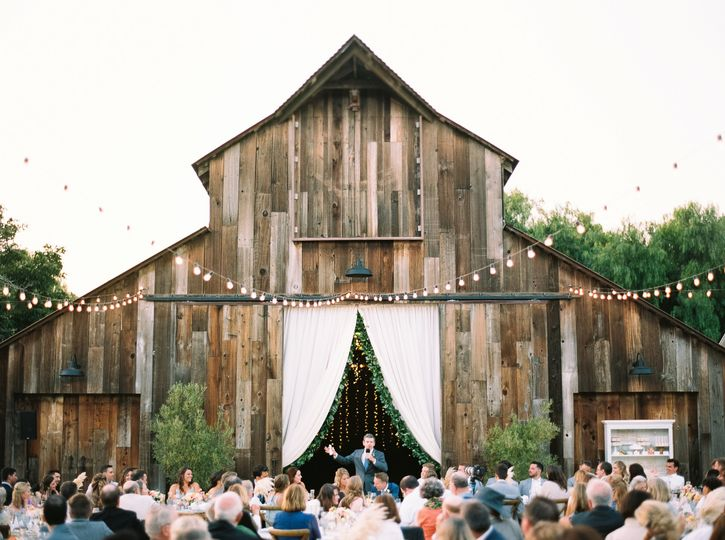 Outdoor weeding ceremony