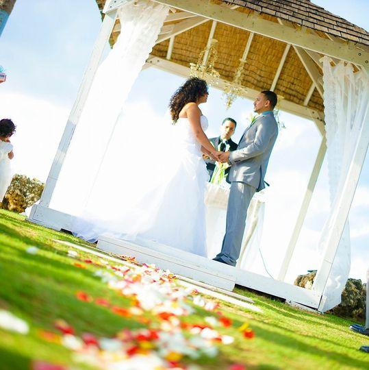 Ceremony at Villa Montaña, Isabela PR
