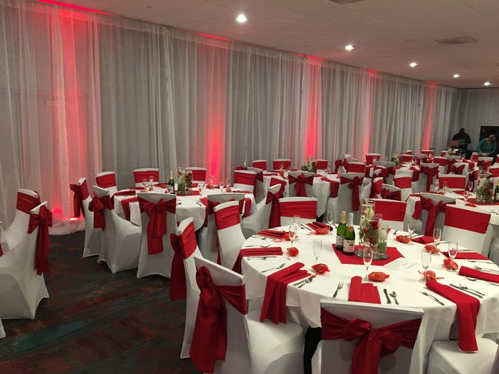 Red and white table setup