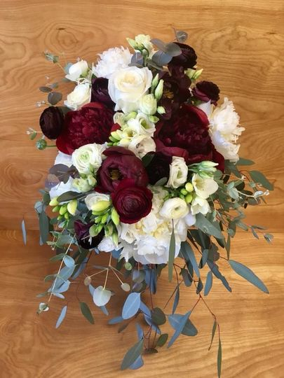 Dark red and white rose bouquet