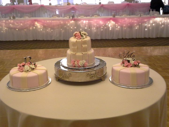 Tmx 1452214428614 20151003171218 Davenport wedding cake