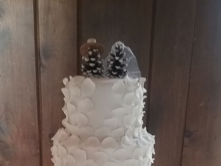 Tmx 1489363835965 20161230132514 Davenport wedding cake