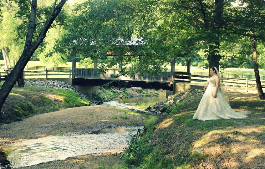800x800 1433551202346 bridge wedding pic