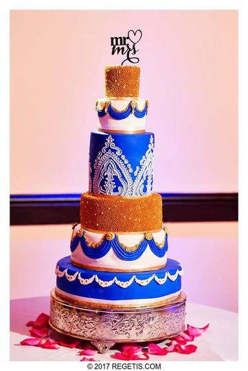 800x800 1502887901737 white blue and gold indian wedding cake