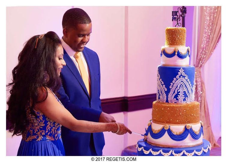 800x800 1502887901775 navy blue white and gold wedding cake