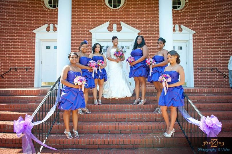 Bride and her bridesmiads