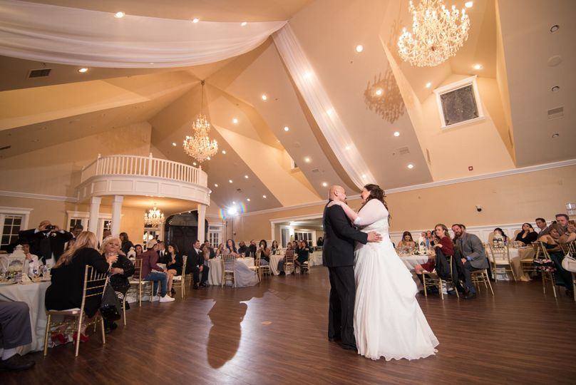 Newly weds slow dancing