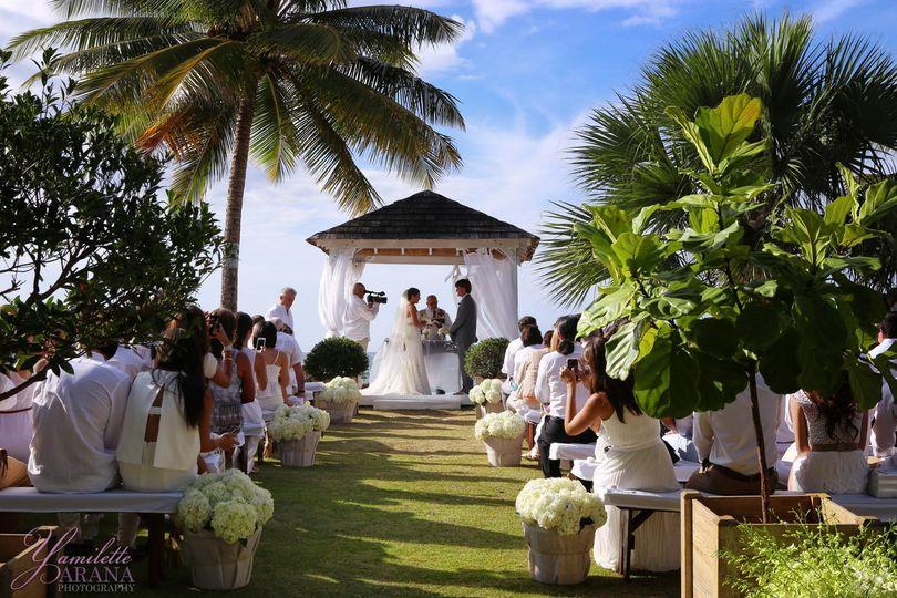 Villa montana beach resort wedding ceremony reception for Wedding venues in puerto rico