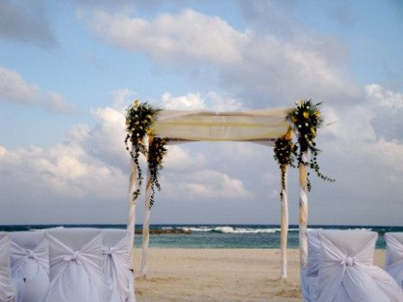 Wedding arches before beach wedding
