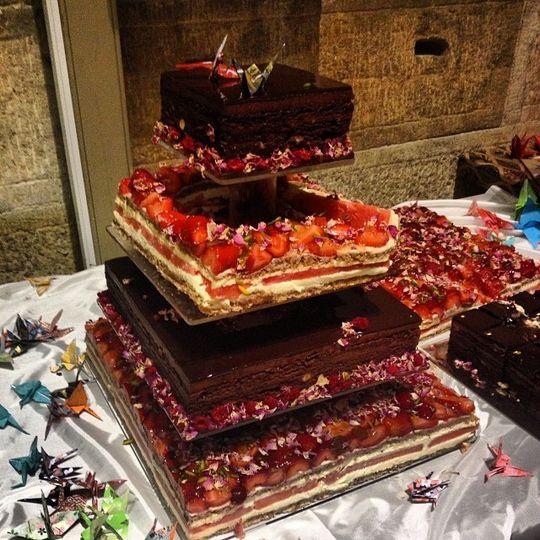 Abstract wedding cake