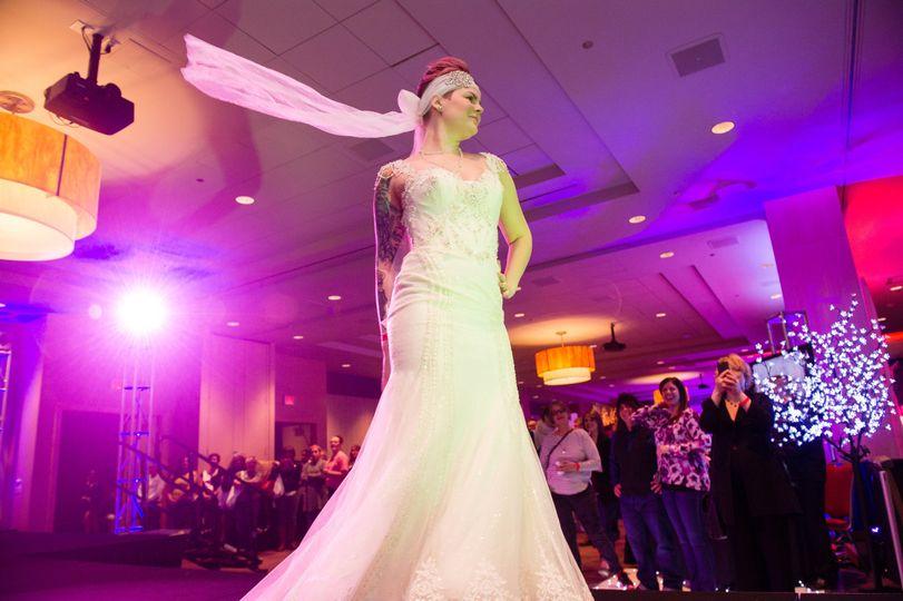 Contemporáneo Wedding Dresses Detroit Colección de Imágenes - Ideas ...