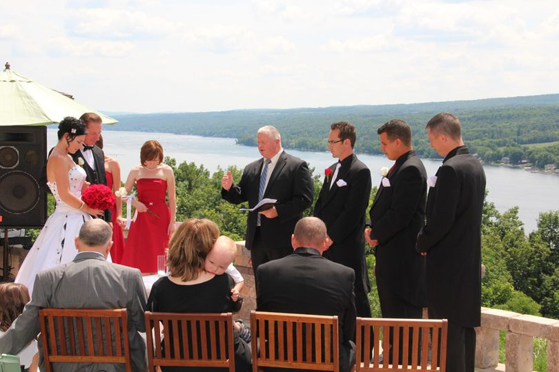 Wedding ceremony overlooking Keuka Lake at The Esperanza View.