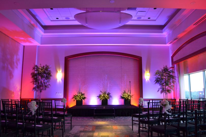 Custom Pin Spot Lighting for your Ceremony Aisle included at no extra charge!