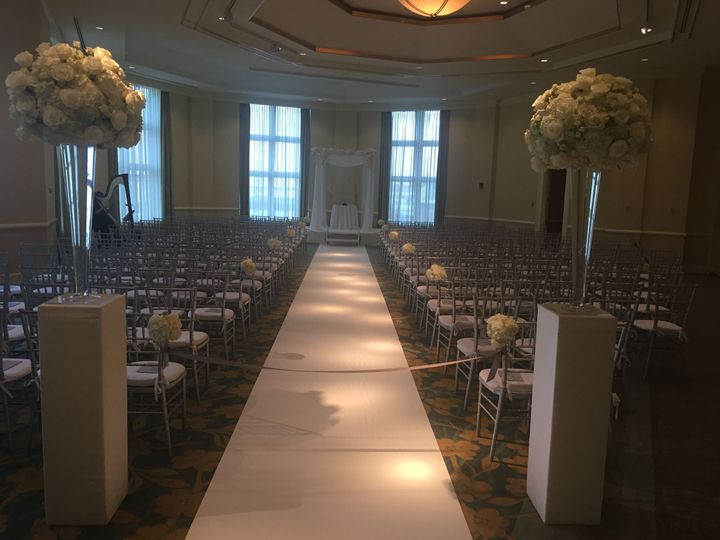 Tmx 1521119923 829e7b3ac11a9c62 1521119883 D08da5a34088eef8 1521119866294 7 Plaza C Ceremony S Boston, MA wedding venue