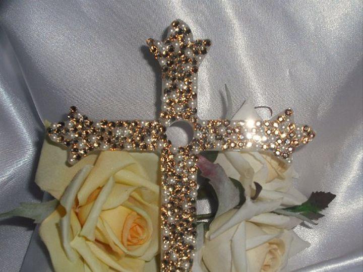 Tmx 1254499684965 Ivoryacryliccreampearlgldshadwltcolorado Carson wedding cake