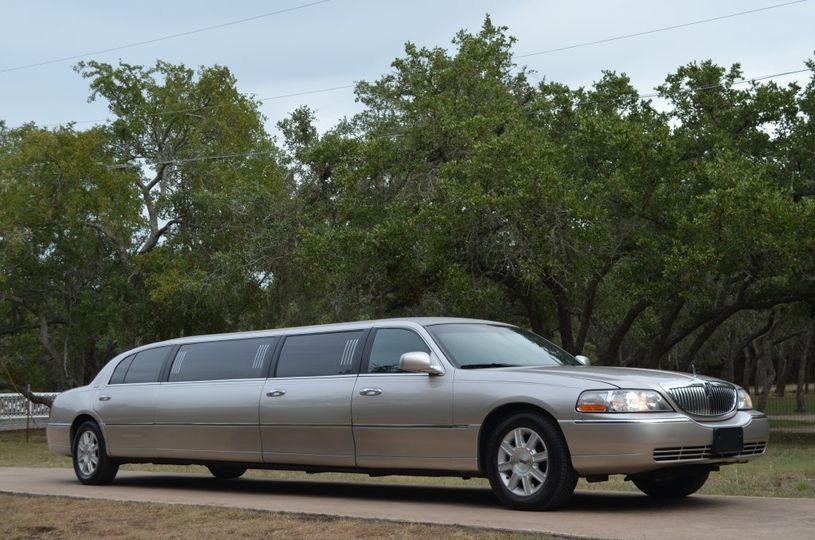 An 8 person Wedding Limousine (4 our minmum)