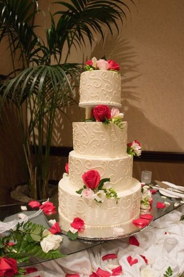 800x800 1330041268017 weddingcake75dpi