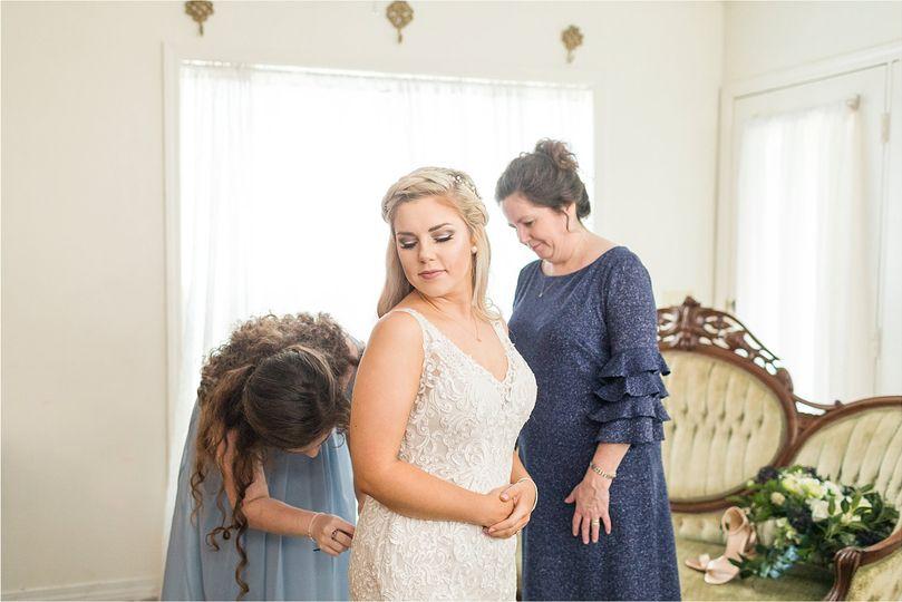 the gin at rasberry greene wedding sarah bretts wedding day anna filly photography getting ready 68 51 761246 160080816290612