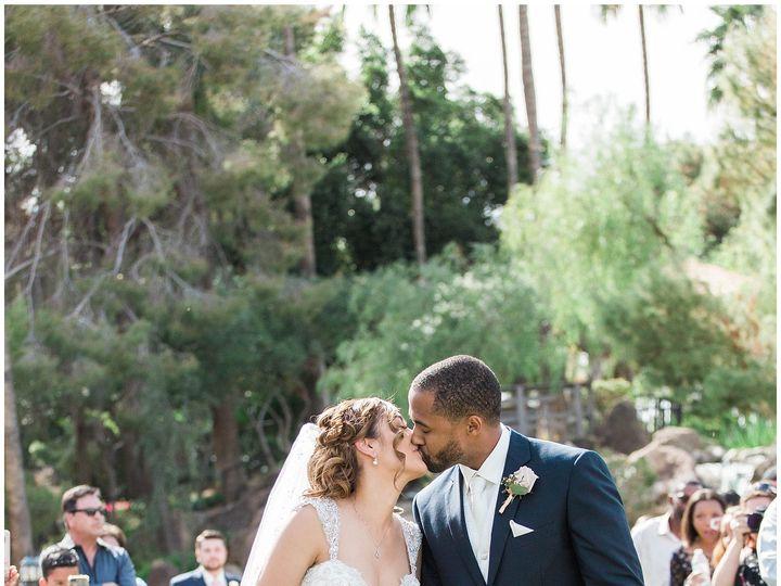 Tmx Jenjinkensphotos Valvistalakes Latavolalinen Sugarchiccakes Aztecabridal Weddingapparel Michaelandschmidt Desertwhim 7 51 12246 Phoenix, AZ wedding florist