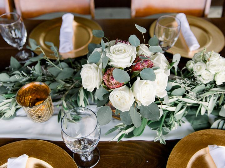 Tmx Steele Photo Ohmaija Desireeneel Hmu Emmaandgracebridal Laurelridgewinery Steelephotos Steelephotography 16 51 12246 Phoenix, AZ wedding florist