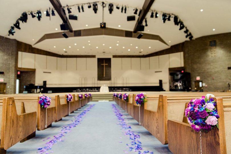 Indoor wedding aisle | Photo by Charlie Shin