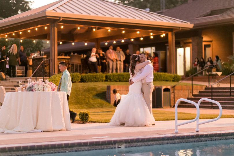 Couple's wedding dance