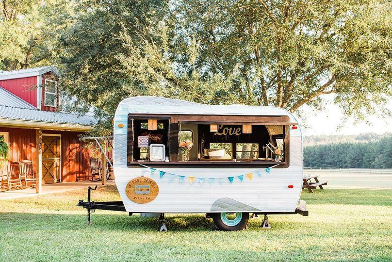 Clyde - Camper Bar