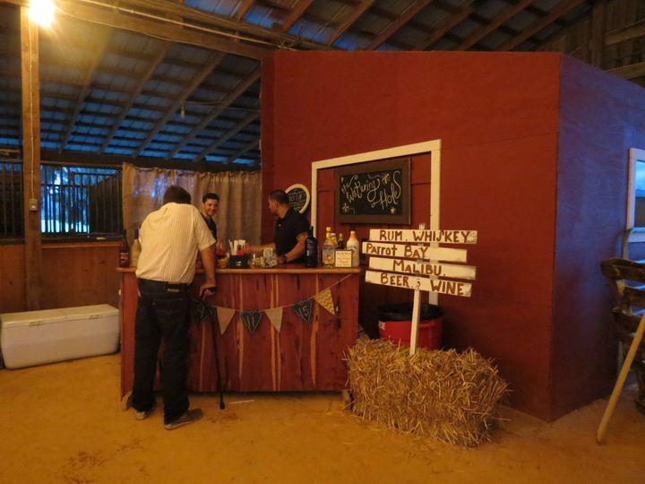 BR Ranch Weddings bar