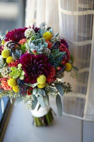 floral v designs wedding flowers ohio cincinnati dayton and surrounding areas. Black Bedroom Furniture Sets. Home Design Ideas