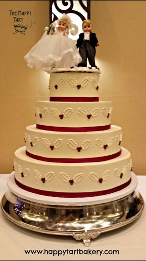 crimson holly wedding cak