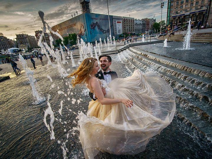 Tmx 33383161 10217166989751934 4295647133488381952 O 51 10446 1558749402 Brooklyn, NY wedding photography