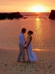 weddingbeachcouple