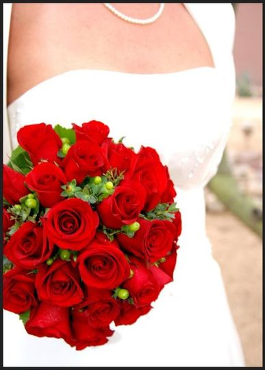 We will work with you to make the bridal bouquet of your dreams!