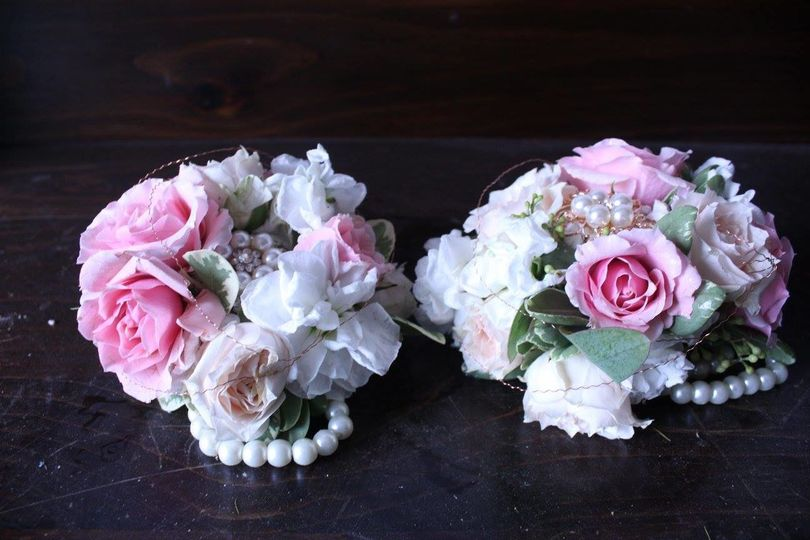 Flowers with pearls