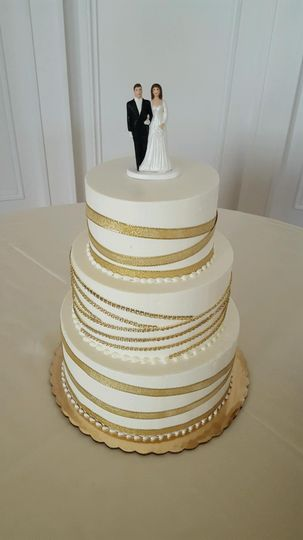 Wedding cake with gold bands