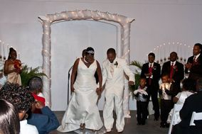 Help Me Tie The Knot Wedding Officiants