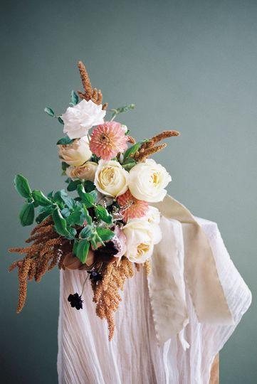 Sculptural bridal bouquet