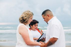 The Love Officiant Renee Reyes