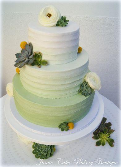 Wedding cake in green hues