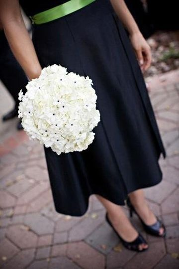 Simple & stunning bridesmaids bouquets by Amy Burke