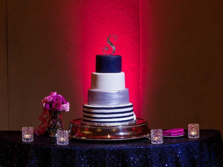 Tmx 1527213795 968cf609bdf616e4 1527213794 79d781c4b1e5abfc 1527213797983 14 Blueandsilverwedd Tampa, FL wedding cake