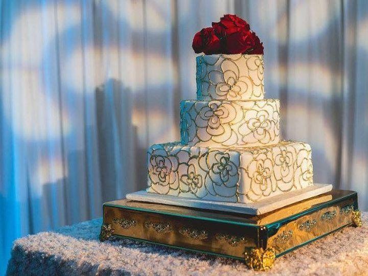 Tmx 1527213798 5b01e6e3b1f2f40a 1527213794 Ec8f490671aff0bd 1527213797986 18 Redandgold Tampa, FL wedding cake